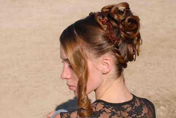 picture-of-women-with-beautiful-hairstyle